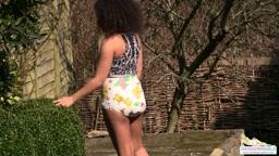 Kayla wearing a Rearz Safari on a sunny day